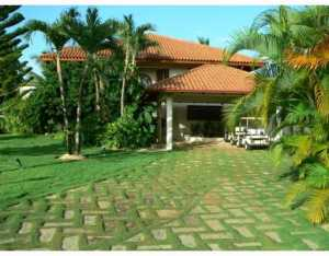 1  Las Pinas  Dominican Republic 00000 House for sale