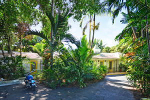 998 Pelican Lane Gulf Stream FL 33483 House for sale