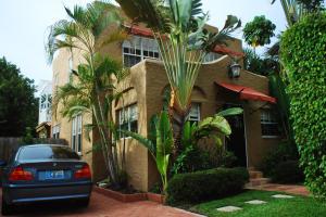 737  Park  Place West Palm Beach FL 33401 House for sale