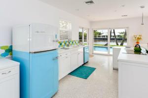 2259  Ibis Isle E Road Palm Beach FL 33480 House for sale