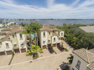 1020  Via Villagio Hypoluxo FL 33462 House for sale