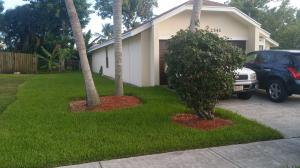 2541 Doral Way Riviera Beach FL 33407 House for sale