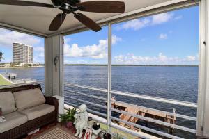 60 Yacht Club Drive North Palm Beach FL 33408 House for sale