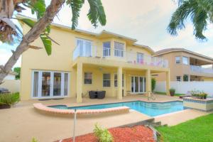 2304 Ridgewood Circle Royal Palm Beach FL 33411 House for sale