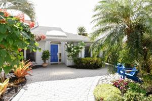 6636 S Pine Court Palm Beach Gardens FL 33418 House for sale