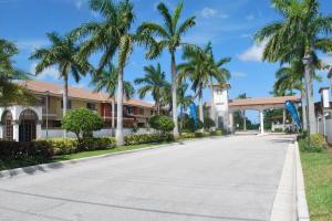 4195 Napoli Lake Drive Riviera Beach FL 33410 House for sale