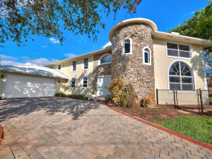 19810 N Riverside Drive Tequesta FL 33469 House for sale