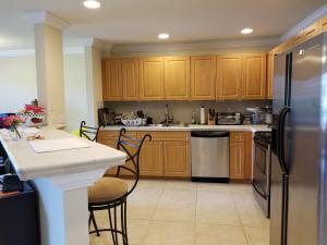 Property for sale at 8 Lexington E Lane Palm Beach Gardens FL 33418 in LEXINGTON GREEN CONDO