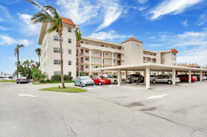 21 Yacht Club Drive North Palm Beach FL 33408 House for sale